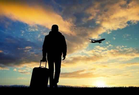 Covid-19 : pourrait-on partir en vacances cet été ?